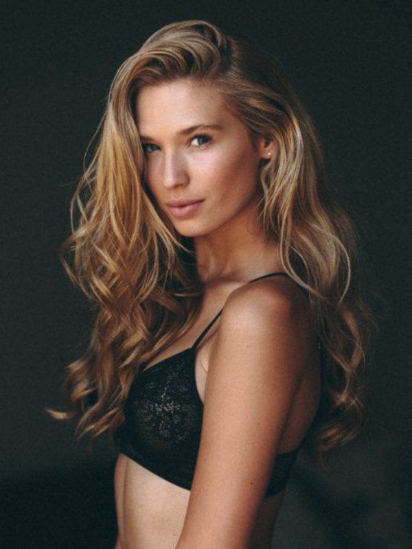 Model Women Roxanne